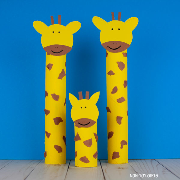 ZOO animal craft: giraffes