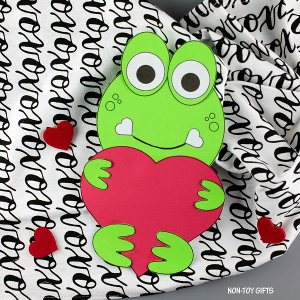 Valentine's Day heart frog craft for preschoolers and older kids