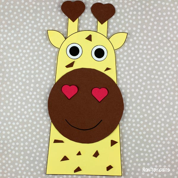 Valentine's Day heart giraffe craft for preschoolers and older kids